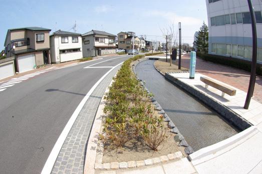 いよいよ完成、新潟市早川堀通りの水辺空間