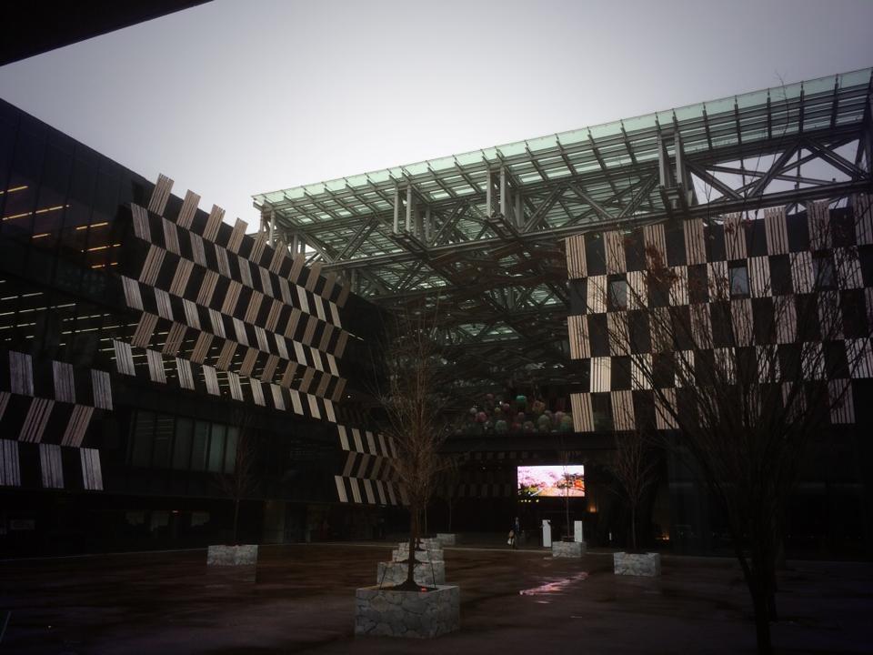 まるで美術館のような環境を自由に使えるアオーレ長岡がとにかくすごい!