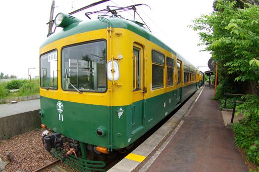 懐かしい「かぼちゃ電車に」会える、旧月潟駅