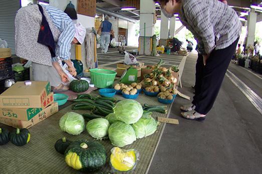 07_hakusan-market