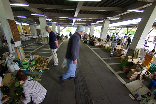 11_hakusan-market