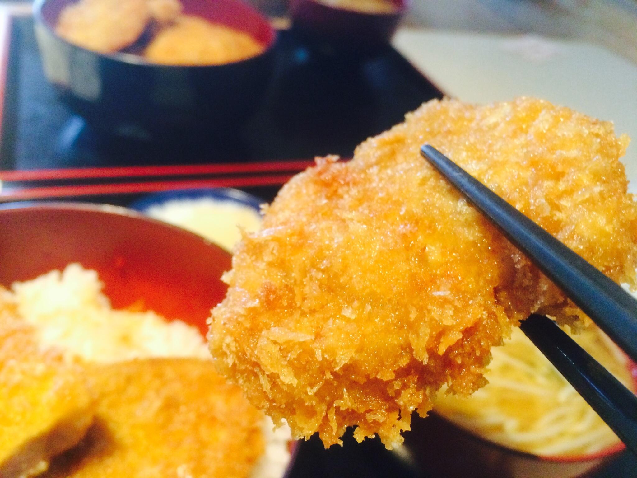 このボリュームで500円!新潟弁が愛くるしい『吉トミ』のタレカツ丼を食べて来た。