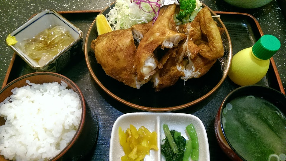 カレー味の鳥の半羽揚げが新潟市西区でも!から揚げ専門店「鳥栄」に行ってきた