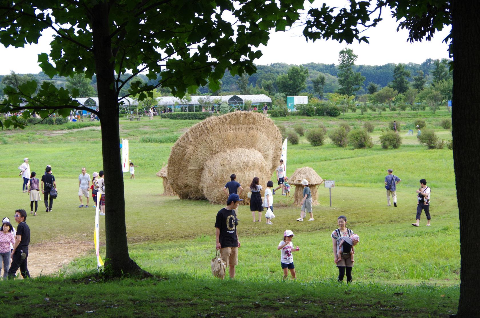 巨大な稲わらのオブジェ!上堰潟公園の「わらアート祭り」に行ってきた!展示は10月末まで