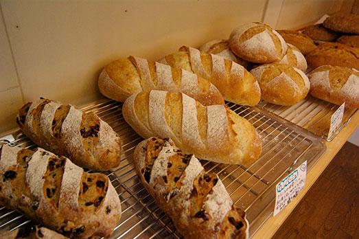 佐渡・猿八発!全粒粉パン工房 ポッポのパンが新潟市に進出!