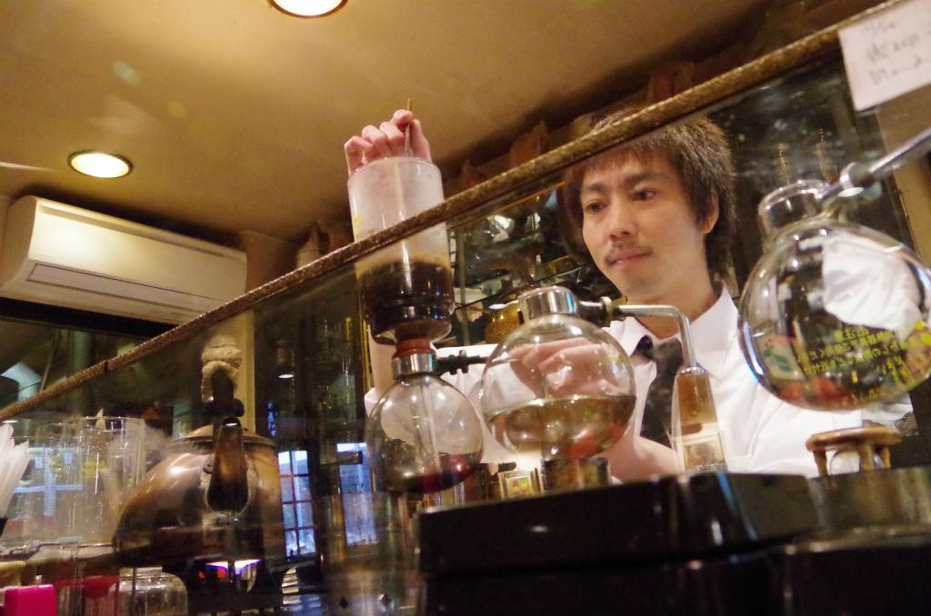 シャモニーで朝食を!老舗本格珈琲店・シャモニーのレトロ空間!!