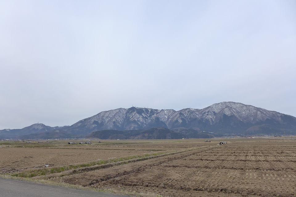 24アングルから眺める弥彦山!『心のふるさと…弥彦山』を見つけよう!