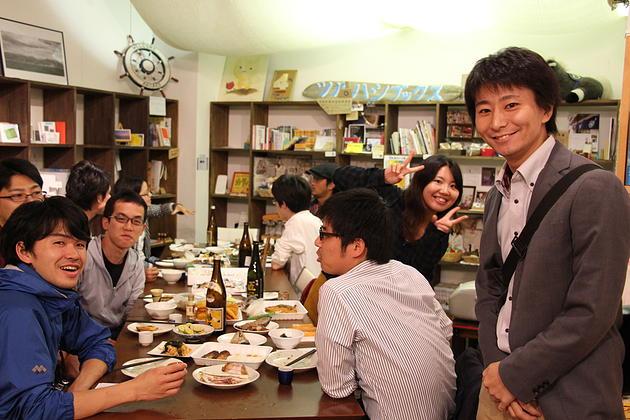 新潟市内野で、「酒」と「料理」と「出会い」を味わう鶴酒場を開催した。
