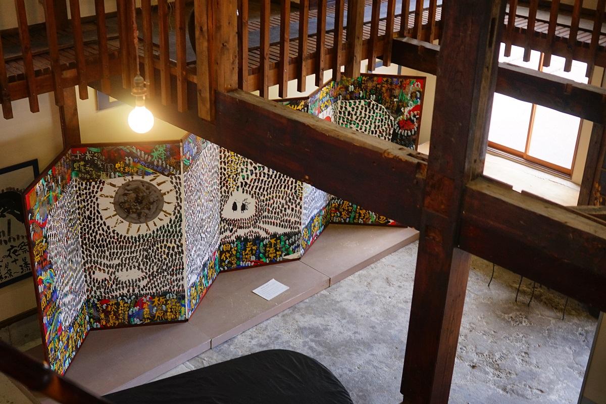 静かな創造のまち・柏崎市高柳で出合った「地域アート」の原風景