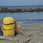 まるでプチ廃墟!冬の浜茶屋ってどうなってるの?