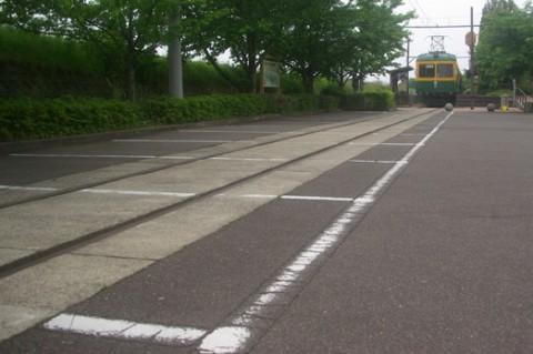05-tsukigata-densya