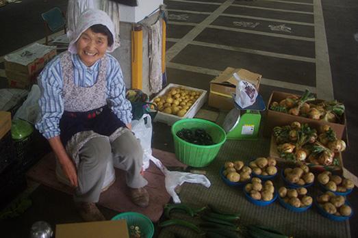 06_hakusan-market
