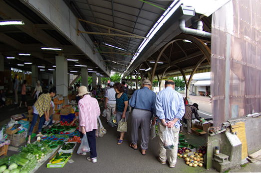 08_hakusan-market