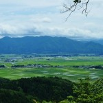 「石油の里」の菩提寺山山頂から、新津への愛を叫ぶ。