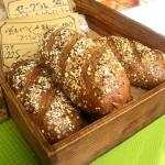佐渡に移住したマーカスさんが焼く穀物天然酵母のパン。佐渡市羽茂「T&M Bread Delivery Sado Island」