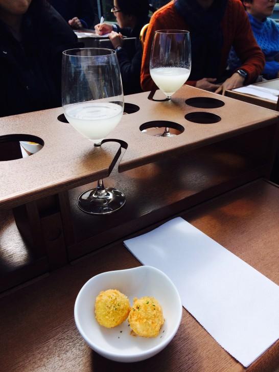 新潟の魚介と米で作ったアランチーニ(=ライスコロッケ)